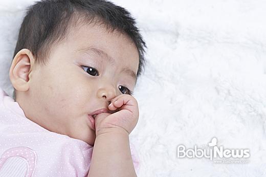 http://i2.media.daumcdn.net/photo-media/201305/12/babynews/20130512122704953.jpg