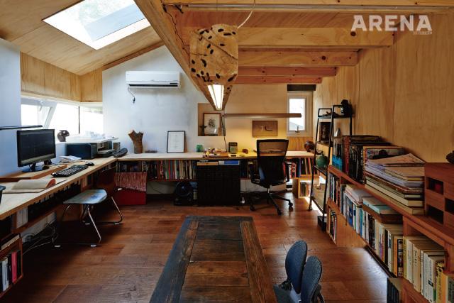 결이 살아 있는 초미니 사무실