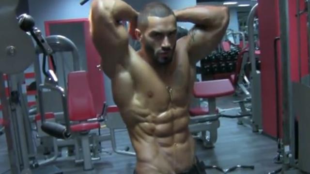 근육마저 예쁜 남자의 몸매