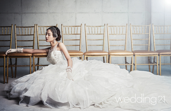 [웨딩드레스] 신디엠by라포엠과 배우 수현의 우아한 하모니