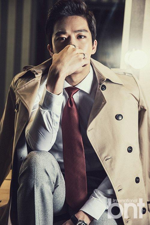 [화보] 배우 하석진, 화보 통해 시크하면서도 깊은 눈빛 선보여