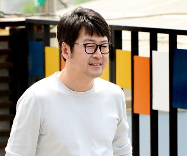 """김윤석 """"써먹고 또 써먹는 소재 배우도 질려"""""""