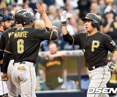 강정호, 결승 3점 홈런으로 시즌 3호포